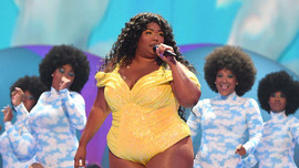 Takeaways from Lizzo's VMA performance: Love yourself