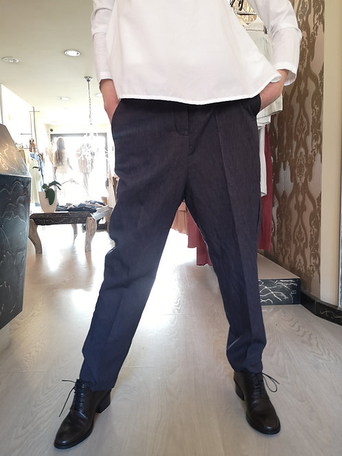 Pantalone maschile con cinturino in cuoio