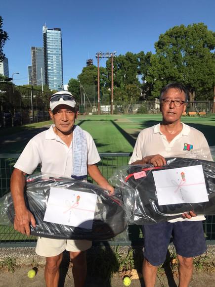 2021年度港区民夏季テニス大会《壮年男子ダブルス60》優勝ペア