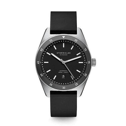 Sternglas Marus black dial diver watch