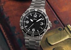 Sinn 857 Instrument watch