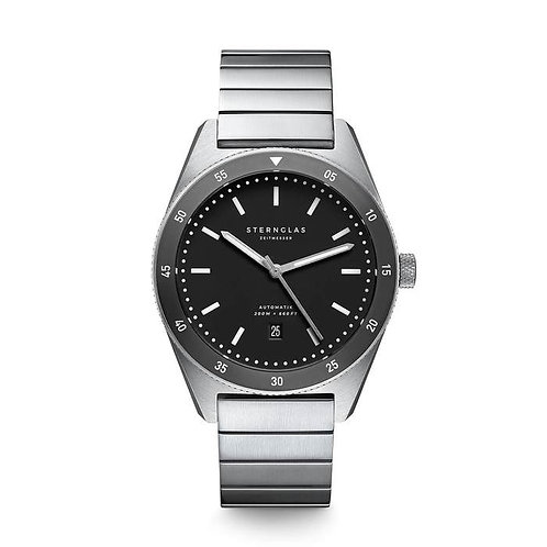 Sternglas Marus black dial diving watch