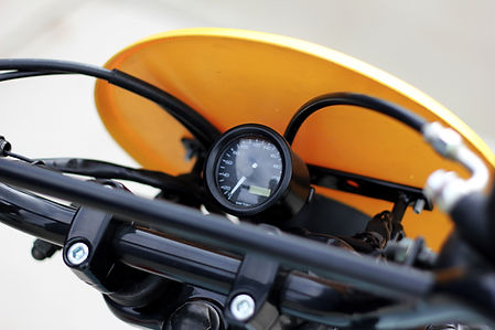cool kid customs suzuki gr650 scrambler datona speedometer