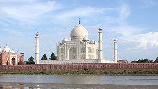 Tourism tipping point at the Taj Mahal