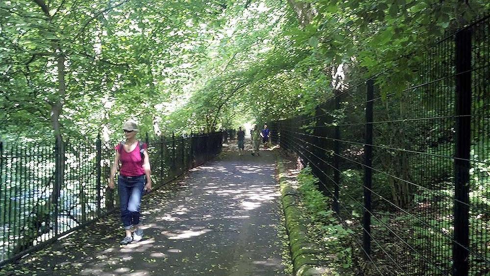 Edinburgh landscape path
