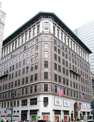 UPDATE - Lord & Taylor to close its flagship Gilded Age store at Fifth Avenue