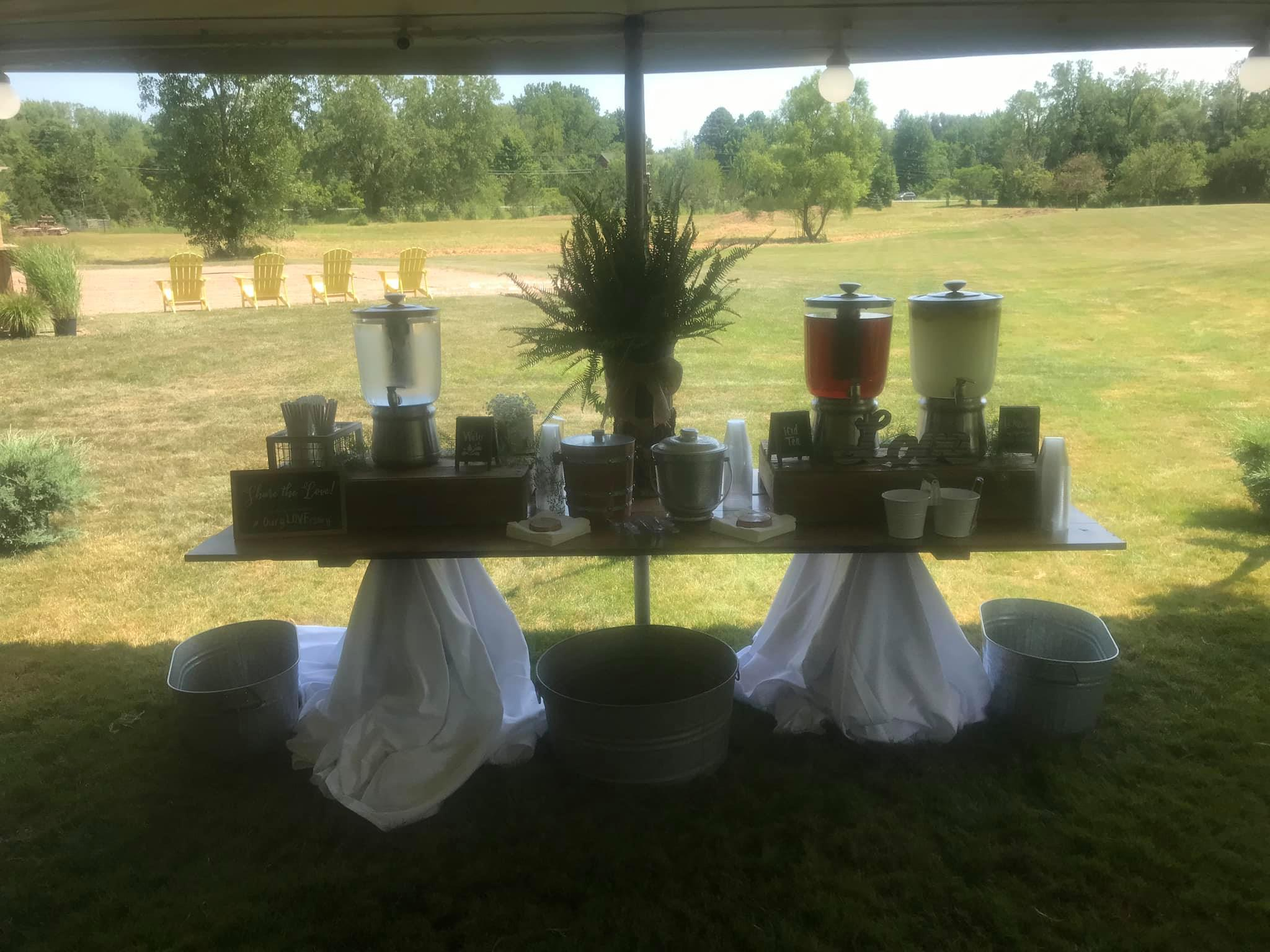 lemonade table