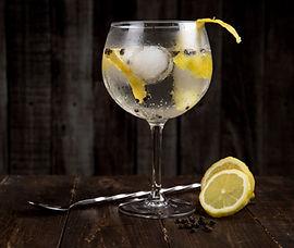 alcohol-beverage-blur-616836.jpg