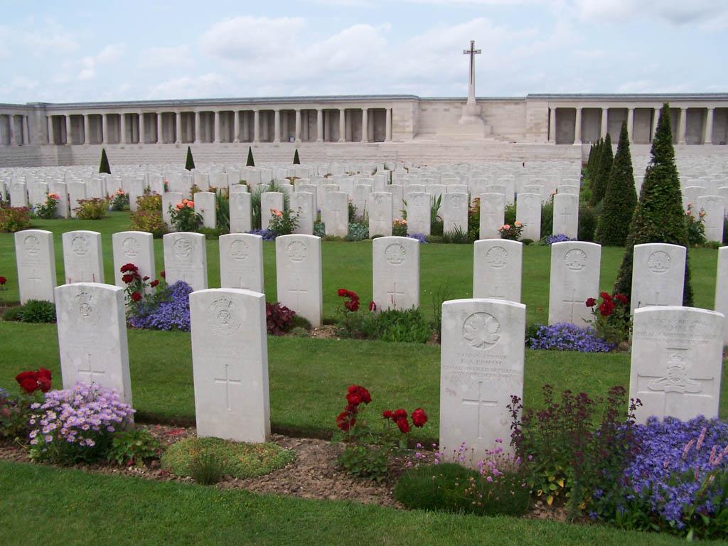 cimetière_des_colonnes_Ovillers_La_Boisselle.jpg
