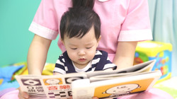 貝格爾的老師用心照顧寶寶