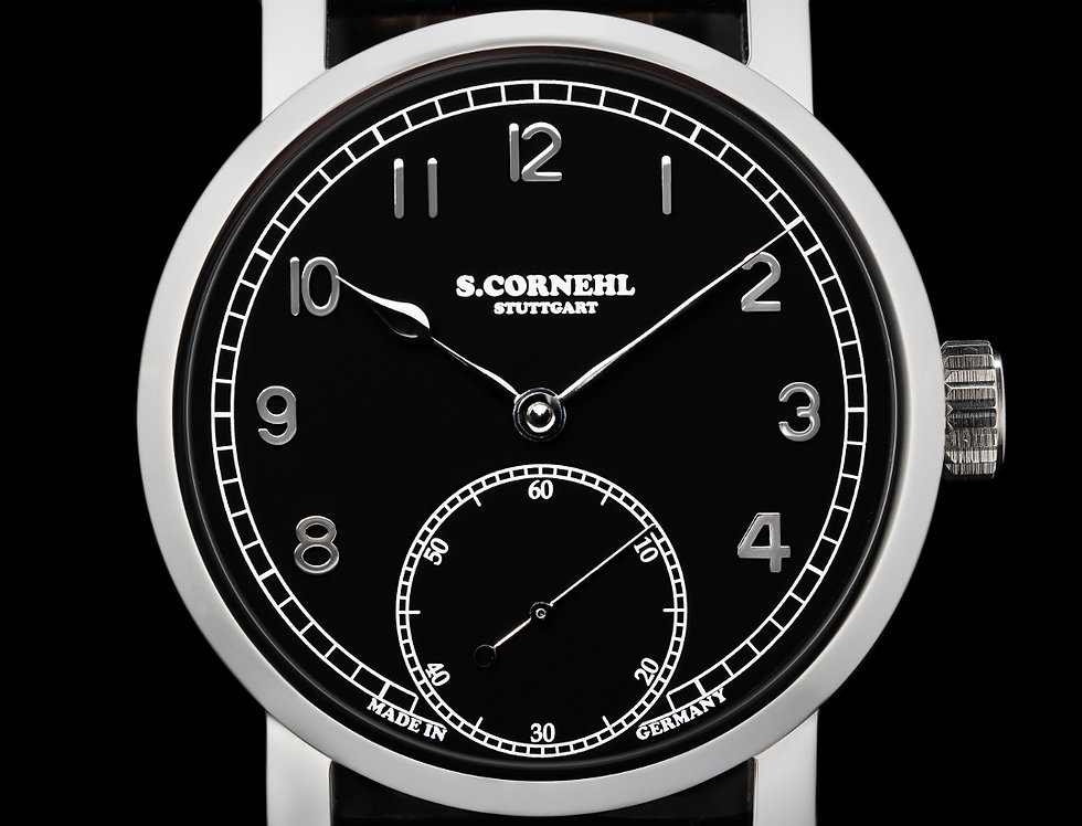 Cornehl Classic Black Lünette glatt, Krone zylindrisch