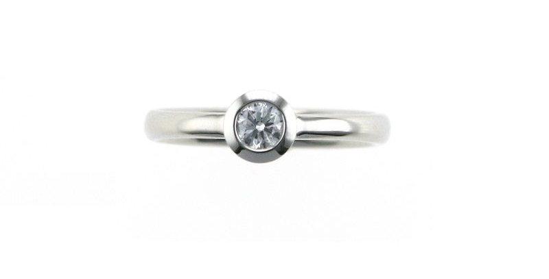 Ring DIAMONDS SOLO Platin mit Brillant 0,15 ct