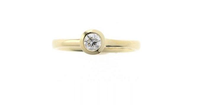 Ring DIAMONDS SOLO Gelbgold mit Brillant 0,15 ct