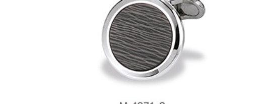 1 Paar handgearbeitete Manschettenknöpfe aus 750/Weissgold mit poliertem Carbon