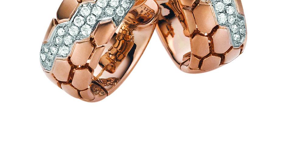 1 Paar handgefertigte Ohrringe 750/Rotgold, Boden matt, Steinsitz rhod.46 Brill.