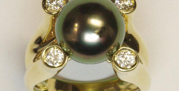 "Damenring 750/ Gelbgold, ""Quatuor 2"" 1 Tahiti Zuchtperle 11,7 mm peacock grün, 1"