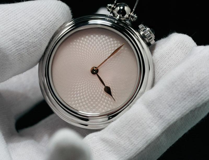 Angular Momentum Guilloche Lumineuse Pocket watch Verfügbar: 1
