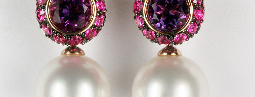 """Ohrstecker /750 Rotgold, """"Multiple Choice"""" 2 Amethyst 2.45 ct. 44 Rubine 2.54 ct"""