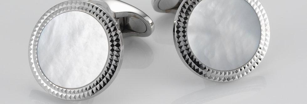 1 Paar handgearbeitete Manschettenknöpfe aus 750/Weissgold mit poliertem Perlmut