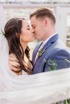 Barn-on-the-Pemi-Wedding-Photos-Caitlin-