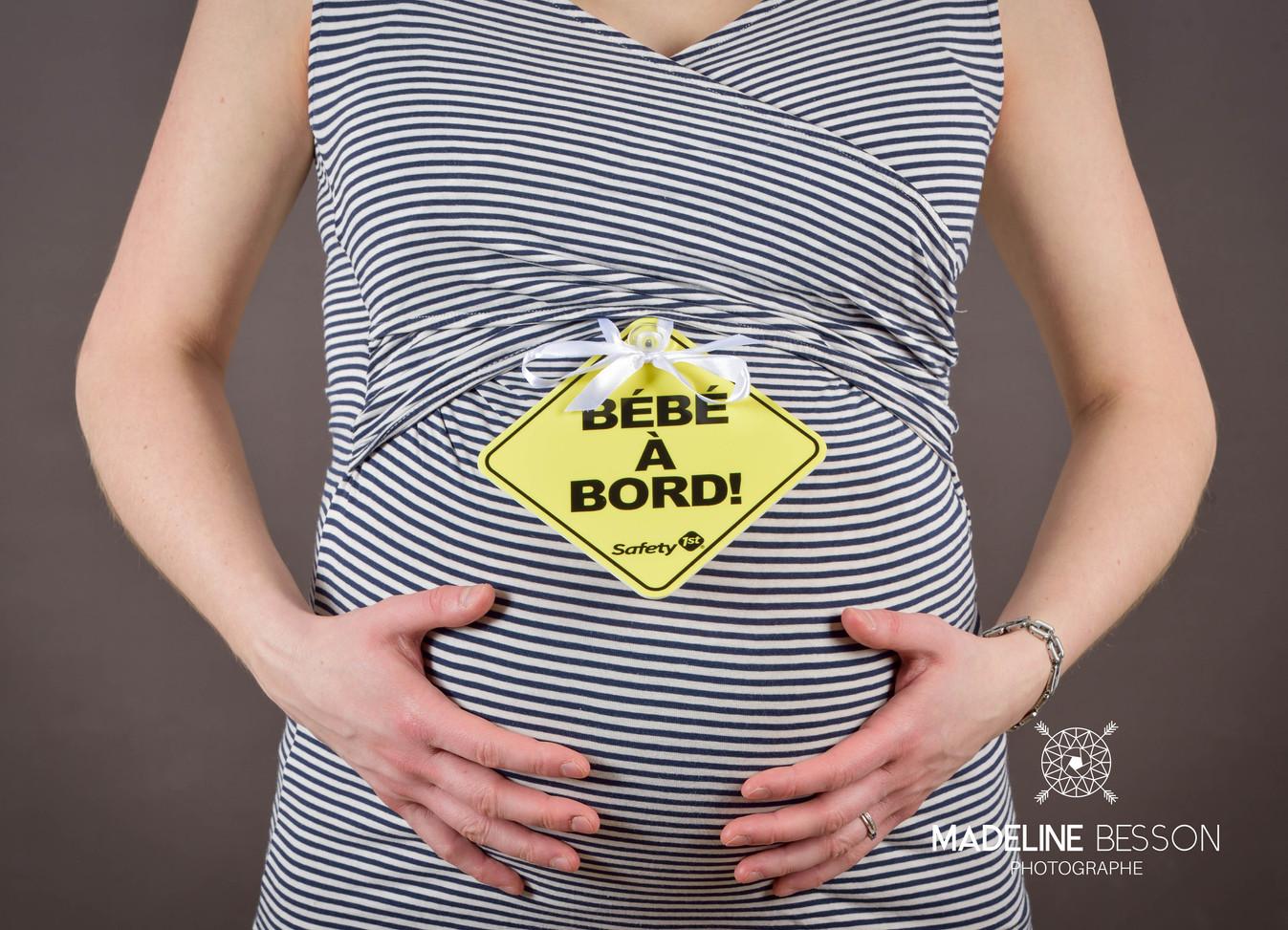 Photos de grossesse, de maternité, de bébé, de nouveau-né à Clermont ferrand, Riom, Cournon et alentours