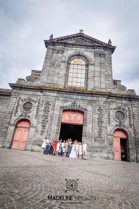 Eglise,_sortie_de_l'église_et_photos_de_