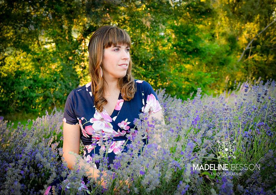 Portrait en extérieur de Madeline Bessonphotographe Clermont-Ferrand, photographe Cournon, Riom, Issoire, Thiers