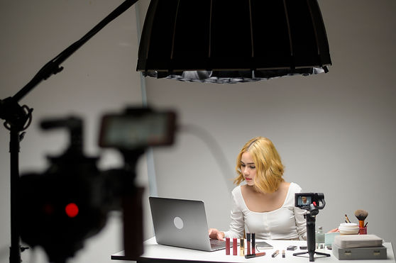 behind-the-scenes-young-blonde-woman-live-stream-o-8QCL3GC.jpg