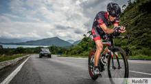 O triatleta amador deve pedalar em cadências altas, como os ciclistas profissionais?