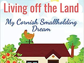 Living off the Land: My Cornish small holding dream by Lorraine Turnbull [Book review]