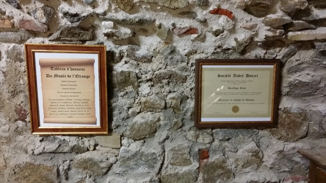 Diplôme et tableau d'honneur