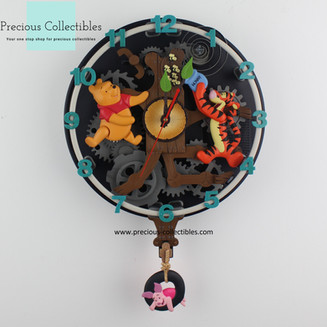 Winnie the Pooh, Tigger and Piglet animated clock