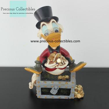Scrooge McDuck statue