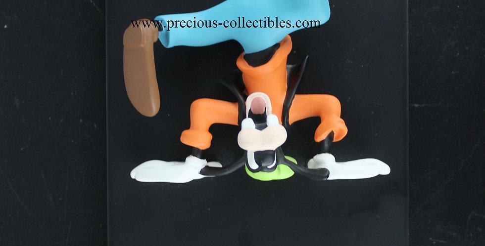 Goofy upside down Jie Art Gantofta Sweden Walt Disney Joakim Lindstrup Polyresin 3D Wall Art Vintage rare product webshop