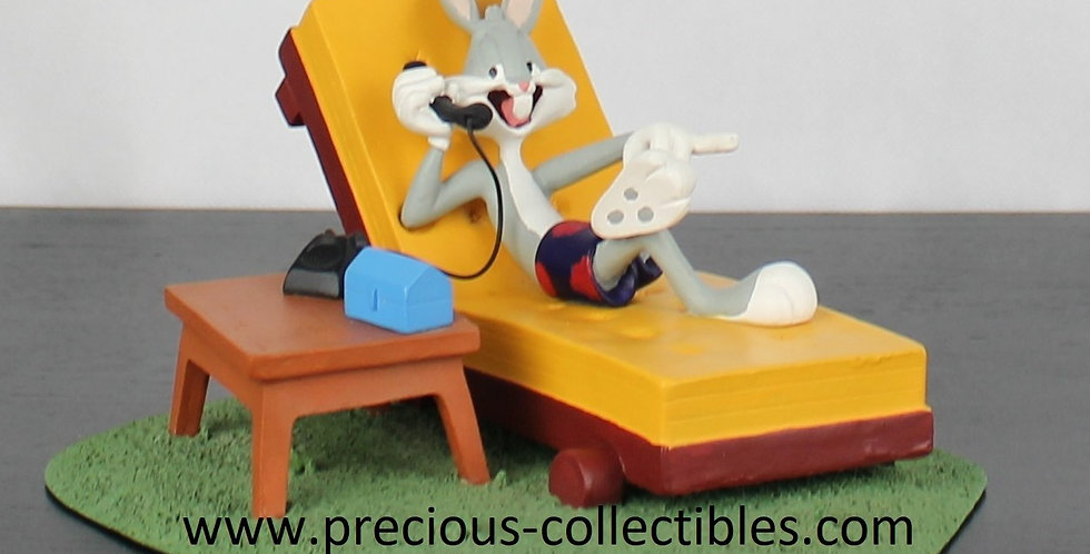 Bugs Bunny;Sun Bathing;Statue;Warner Bros;Looney Tunes;Phone;Telephone;Calling;Figurine;Collectible;Rabbit;Comic;Cartoon