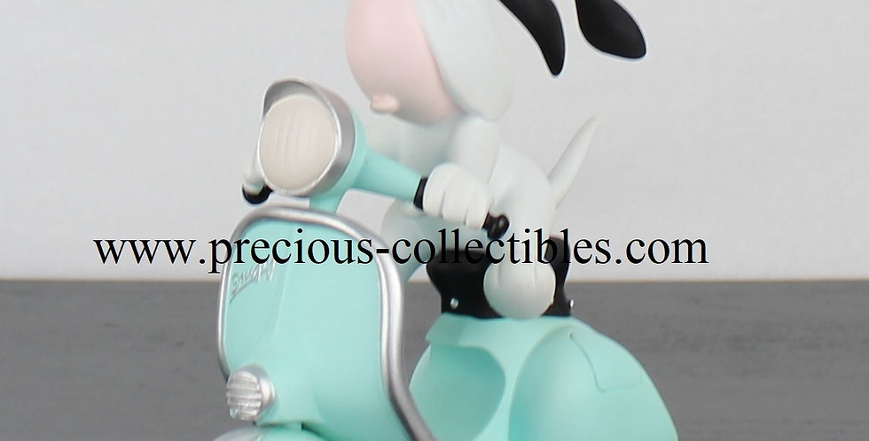 Droopy on his green scooter Demons Merveilles Tex Avery Limited Edition basset hound product webshop for sale vintage 2001