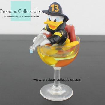Donald Duck statue