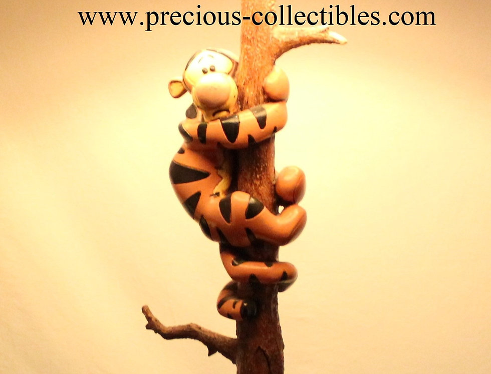 Winnie the Pooh Piglet Tigger Tree Lamp big tablelamp Walt Disney Sculpture Figurine Collectible For Sale 80's Polyester Rare