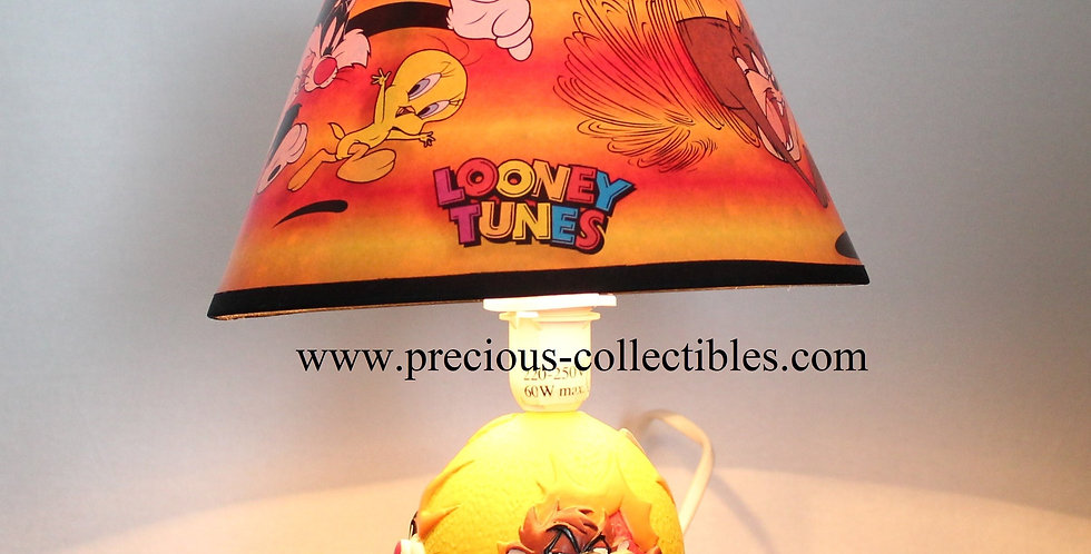 Looney Tunes vintage lamp 1997 Bugs Bunny Tweety Sylvester Daffy Duck Tasmanian Devil Tazmanian Tablelamp cartoon product sal