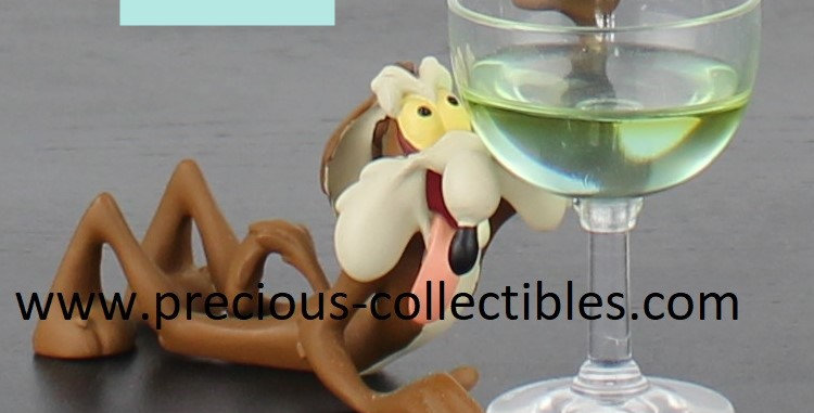 Wile E Coyote;Road runner;demons merveilles;warner bros;brothers;glass;thirsty;desert;statue;figurine;product;for sale;shop;
