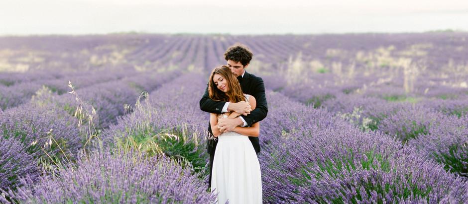 Mariage en Provence dans les champs de lavandes