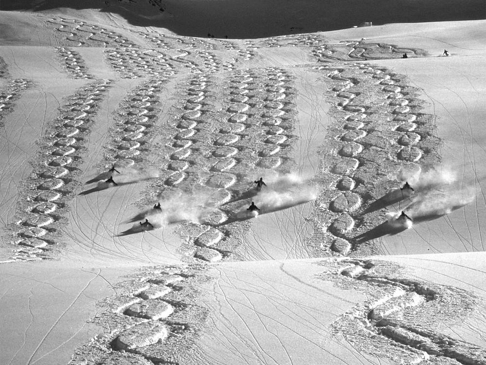 Wedeln galt lange Zeit als die anzustrebende Feinform des Skifahrens. Heute ist die moderne Form des Wedelns noch immer eine Grundlage des Freeridens