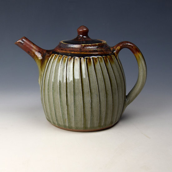 "2-pint Fluted teapot with ""red""top"