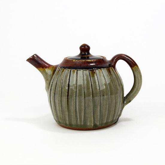 1-pint fluted teapot by John Jelfs