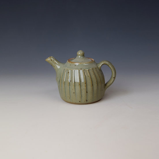 Mini Fluted teapot