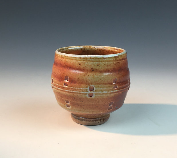 Soda fired yunomi tea bowl) with horizontal lines