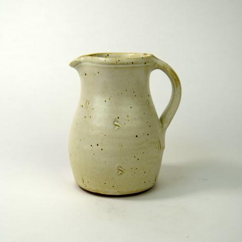One pint jug