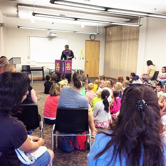 #presswood #presswoodmagic #librarymagic #magicshow #bumblngbert #countryhillslibrary #kitchenerlibr
