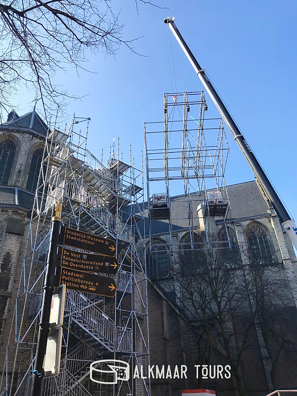 The scaffolding on the Grote Kerk is going up!