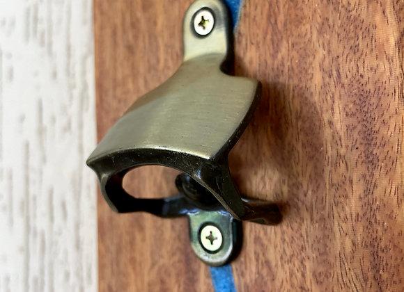 Abridor Magnetico De Parede Com Detalhe em Resina
